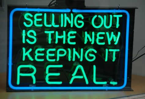 Toronto_SellingOutSign