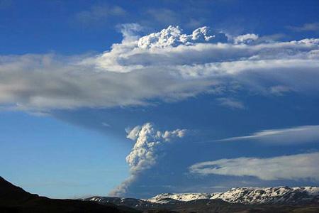 iceland-volcano-eruption