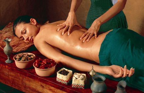 AromaTherapy-Body-Massage