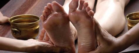 Ayurveda_Massage_Training_Goa_Kerala_India_Shirodhara_Feet