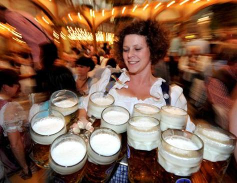 gty_oktoberfest_carrying_beers_nt_120927_ssh